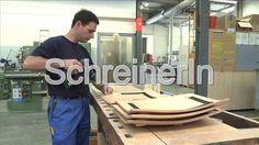 VBZ Chef bewirbt sich bei SchreinerIn by VBZ Zueri-Linie. Martin Fuchs, Leiter Schreinerei bei den Verkehrsbetrieben Zürich, bewirbt sich Ihnen als Ihr neuer Chef.