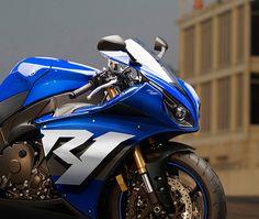 Yamaha R1 concept by Tamás Jakus, via Behance