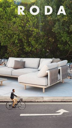 Diy Daybed, Outdoor Daybed, Outdoor Rooms, Outdoor Living, Outdoor Decor, Pool Furniture, Luxury Furniture, Outdoor Furniture Sets, Furniture Design