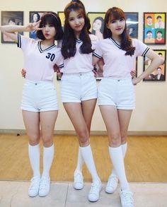 GFriend - Eunha, Sowon, and Yerin Kpop Girl Groups, Korean Girl Groups, Kpop Girls, Japanese Beauty, Asian Beauty, Korean Beauty, Kpop Outfits, Cute Outfits, Asian Woman