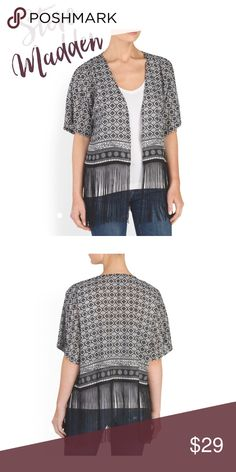 """NWT Steve Madden Kimono Gorgeous Steve Madden Kimono, brand new with tags never worn! Is """"One Size"""" but will fit S, M, or L:) Steve Madden Sweaters Shrugs & Ponchos"""