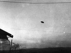 UFO Photographs : Best UFO Photograph, 1950-McMinnville, Oregon