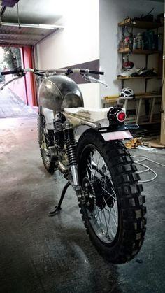 "Piloto trasero ""OldSkool""    Honda CG 125   Three Stones cycles"
