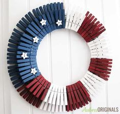 DIY Patriotic Clothespin Wreath-just in time for the of July! Christmas Mesh Wreaths, Diy Fall Wreath, Wreath Crafts, Deco Mesh Wreaths, Fall Wreaths, Burlap Wreaths, Fall Diy, Clothespin Crafts, Tulle Wreath