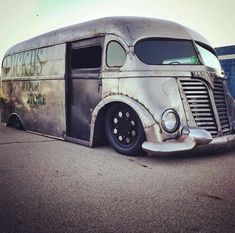 How badass is this old rat rod bus?! (Via @rat_rod_riot) _______________  http://weekly.getautomo.com  _______________ Use the hashtag #helloautomo for a chance to be featured!