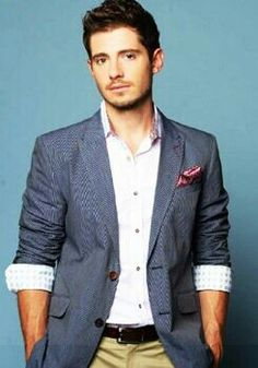Julian Morris, this beautiful man is now on New Girl as Jess' love interest... and he's British... I'm excited ;)