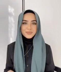 Tutorial Hijab Pashmina, Turkish Hijab Tutorial, Simple Hijab Tutorial, Hijab Style Tutorial, Modern Hijab Fashion, Street Hijab Fashion, Muslim Fashion, Stylish Hijab, Casual Hijab Outfit