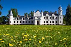 Alatskivi Castle in South-Estonia    #COLOURFULESTONIA