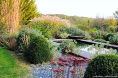 Renate et Lutz aiment la nature, la poterie, le jardin. Renate et Lutz partagent tout et créent tout ensemble. Comme ce jardin à leur image : original, chaleureux, créatif, charmant... En voici quelques détails.