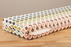 How to Make a Box Corner Cushion - Sailrite Diy Cushion Covers, Box Cushion, Diy Cushion Bench, Cushion Fabric, Pillow Covers, Camper Cushions, Window Seat Cushions, Window Seats, Large Cushions
