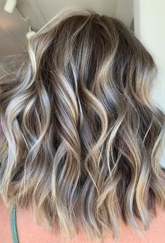 Blonde Highlights Short Hair, Brown Hair With Blonde Highlights, Balayage Hair Blonde, Brown Blonde Hair, Balayage Vs Highlights, Brown Balayage, Blonde Ombre, Baliage Hair, Nouveau Look