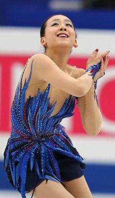 フィギュアスケート世界選手権女子フリーで演技する浅田=さいたまスーパーアリーナで2014年3月29日 (290×500) http://mainichi.jp/graph/2014/03/26/20140326org00m050015000c/001.html
