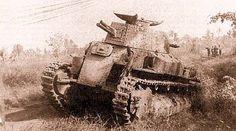 Осмотр взятый в плен японской боевой техники (танка типа 95 Ha-Go) советскими офицерами. Халхин-Гол, 1938  japanese Type 95 Ha-Go captured by soviet troops after battle of Khalkhin Gol DATE1938(1938)