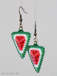 Perles de rocaille en verre japonaises de haute qualité Miyuki Delicas 11/0.   Longueur avec le crochet : 5.2 cm, sans - 2.8 cm.   https://shurikviola.com/ https://www.etsy.com/shop/ShurikViola https://www.facebook.com/alexandra.lavilotterolle  Autres modèles disponibles sur demande, me contacter via facebook.