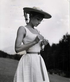 audrey, love this dress :)