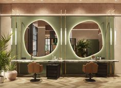 The interior of a beauty salon in Dubai Beauty Salon Decor, Beauty Salon Design, Beauty Salon Interior, Salon Interior Design, House Of Beauty, Beauty Room, Beauty Pie, Salon In Dubai, Salon Mirrors