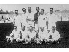 PROTAGONISTAS - JUGADORES - ALINEACIONES - EN 1906, EL MADRID CONSIGUIÓ SU SEGUNDO TITULO CONSECUTIVO, DERROTANDO AL RECREATIVO DE HUELVA Y ATHLETIC DE BILBAO. LA ALINEACIÓN EN AMBOS PARTIDOS FUE: ALCALDE, JOAQUÍN YARZA, BERRAONDO, J. GIRALT, NORMAND, MANUEL YARZA, PARAGES, PRAST, ALONSO, REVUELTO Y ARMANDO GIRALT.