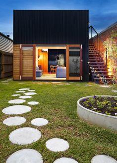 allés de jardin, une allée originale devant une maison contemporaine