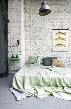 Camera da letto con parete in pietra - Fotogallery Donnaclick
