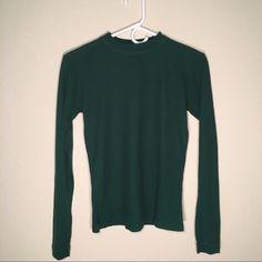 GALLANT Thermal Tee Long sleeve  Crewneck  Green 100% Acrylic  LENGTH: 22in  RN#18437  Gallant Tops Tees - Long Sleeve