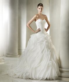 Hannaly wedding dress from the Dreams 2015 - St Patrick collection | St. Patrick