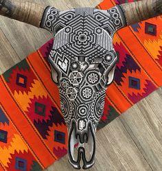 Cow Skull Decor, Cow Skull Art, Wolf Skull, Bull Skulls, Deer Skulls, Painted Animal Skulls, Deer Skull Tattoos, Buffalo Skull, Bone Crafts