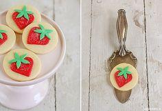 Strawberry Fondant Cookies   +++keksunterwegs.de+++