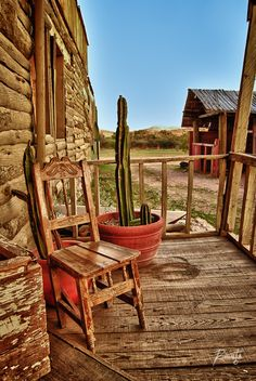 Villas del Oeste, Chupaderos, Durango. México, 2011. -- Now this looks like a nice place to sit down, relax, and breathe in some fresh air.