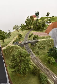 Quiet suggested how to make model train layouts my company Ho Scale Train Layout, Model Train Layouts, Ho Trains, Model Trains, Train Set, Plastic Models, Scale Models, Good Times, Monaco