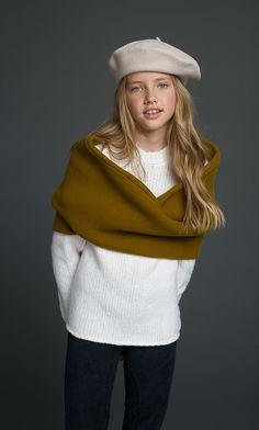 Gap Teeth, Winter Hats, Fall Winter, Posh Girl, Kids Wear, Claire, Boy Or Girl, Look, Kids Fashion