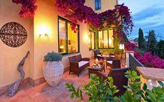 flores aromáticas en la terraza pequeña
