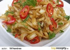 Asijský pikantní zelný salát recept - TopRecepty.cz Top Recipes, Asian Recipes, Real Food Recipes, Cooking Recipes, Healthy Recipes, Ethnic Recipes, Vegetable Salad, Food 52, Main Meals