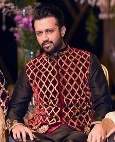 Atif Aslam Azaan Recitation Video Viral - Pride of Pak Atif Aslam, Muslim Dress, Beautiful Voice, Wedding Season, Pakistani, Christmas Sweaters, Bollywood, Men Sweater, The Incredibles