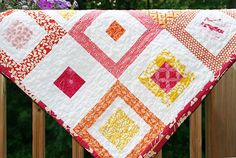 "Lemon Squares quilt by Faith Jones of Fresh Lemons Quilts.  ""The Lemon Squares Quilt Pattern is a squares-in-squares quilt that is made out of only 6 types of blocks. I chose to make this quilt look scrappy by using a wide variety of fabric from my stash.""  Get the free pattern: www.freequiltpatterns.info/quilt-pattern-designer---faith---lemon-squares-quilt.htm"