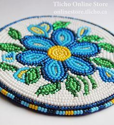 Beaded Coaster by Dene artist, Dora Duncan Native Beading Patterns, Native Beadwork, Native American Beadwork, Loom Patterns, Beaded Embroidery, Embroidery Patterns, Beads Pictures, Nativity Crafts, Beaded Crafts