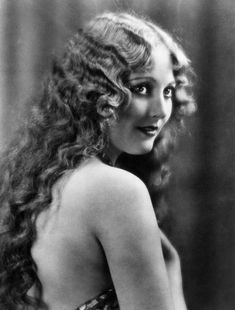 Thelma Todd, Ca. Late Photograph - Thelma Todd, Ca. Golden Age Of Hollywood, Vintage Hollywood, Hollywood Glamour, Classic Hollywood, 1920s Glamour, Old Hollywood Stars, Belle Epoque, Divas, Silent Film Stars