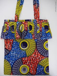 "Totebag wax à franges ""Booboo Bag"" African Fashion Ankara, African Inspired Fashion, Kitenge, Ankara Bags, Moda Afro, African Crafts, African Accessories, Ethnic Bag, Fancy Hats"