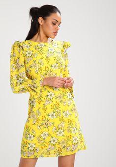 Vero Moda VMJENNA - Sukienka letnia - empire yellow - Zalando.pl