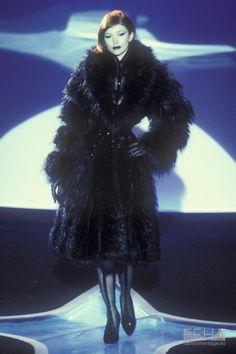 Thick Girl Fashion, Dark Fashion, 90s Fashion, Couture Fashion, Runway Fashion, Fashion Brands, High Fashion, Fashion Show, Fashion Looks