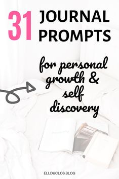 Here are 31 journal prompts for personal growth and self discovery. Daily journaling can help you discover a lot about yourself that you never knew before! January Journal Prompts, Journal Ideas, Journal Inspiration, Self Development, Personal Development, What Motivates Me, Soul On Fire, Positive Affirmations, Positive Mindset