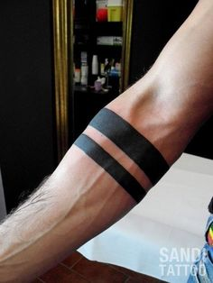 Get The Latest Black Armband Tattoo Design? - Get The Latest Black Armband Tattoo Design? Armband Tattoo Mann, Tribal Armband Tattoo, Armband Tattoos For Men, Armband Tattoo Design, Tribal Tattoos, Turtle Tattoos, Geometric Tattoos, Black Band Tattoo, Forearm Band Tattoos