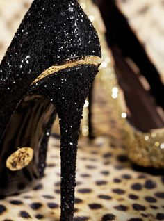 Glittered heels of gold and black - outrageously cute!