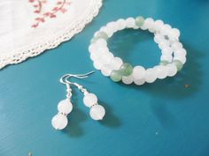 Silver bracelet and earrings jewelry set with milky white and green aventurine crystal pearls, simple and elegant, Selma Dreams gifts by SelmaDreams on Etsy