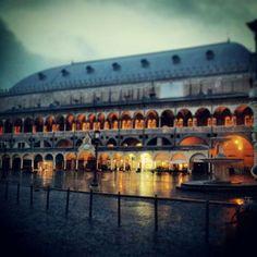 Piazza delle Erbe, Padova.#Padua #Italy