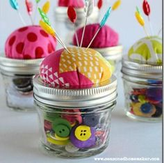 Mason Jar Pin Cushion - Mason Jar Crafts Love - Can't wait to make a lot more of these! So easy and cute!