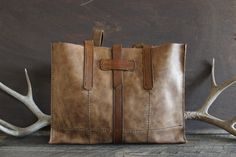 Montana Tote: Distressed Brown by Willow Creek Leather Co.