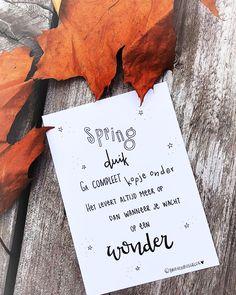 •• N I E U W  in het kaartenrek! •• ©️ ✨🍁✨ Yes! Deze kaart heb ik zojuist toegevoegd aan de collectie van Brievenbusgeluk👊🏻 Morgen verwacht ik 'm binnen te krijgen (je kunt 'm nu al bestellen). De eerste kerstkaarten komen ook morgen binnen! Spannend!!! Later meer daarover😁 #wordtvervolgd ——— www.brievenbusgeluk.nl ——— . . . . . #nieuw #kaartje #collectie #brievenbusgeluk #webshop #wholesale #gedichtjesvanbrievenbusgeluk #dichtersvaninstagram #woorden #versje #lef #durf #doe #probeer #gaervo Words Quotes, Me Quotes, Motivational Quotes, Funny Quotes, Inspirational Quotes, Qoutes, Quote Posters, Quote Prints, Spas