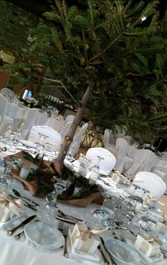 Christmas Wedding Decorations, Thessaloniki, Bouquet, Weddings, Table Decorations, Furniture, Design, Home Decor, Decoration Home