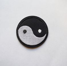 New On Sale 2 inches Tai Ji Yin Yang Embroidered Iron on Patch Chinese Symbol ZEN DIY Diy Patches, Cool Patches, Iron On Patches, Embroidered Flowers, Embroidered Patch, Chinese Symbols, Yin Yang, Cotton Linen, A Table