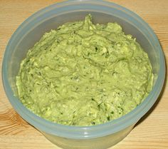 Wild garlic dip by Butter Sauce For Pasta, Lemon Garlic Butter Sauce, Garlic Dip, Wild Garlic, Butter Chicken, Raclette Originale, Hummus, Homemade Toffee, Keto Recipes
